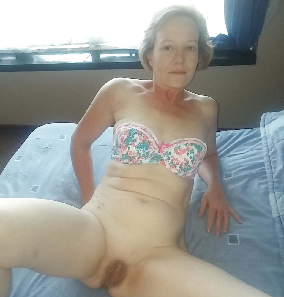 Hot milf ready to fuck (5/7)