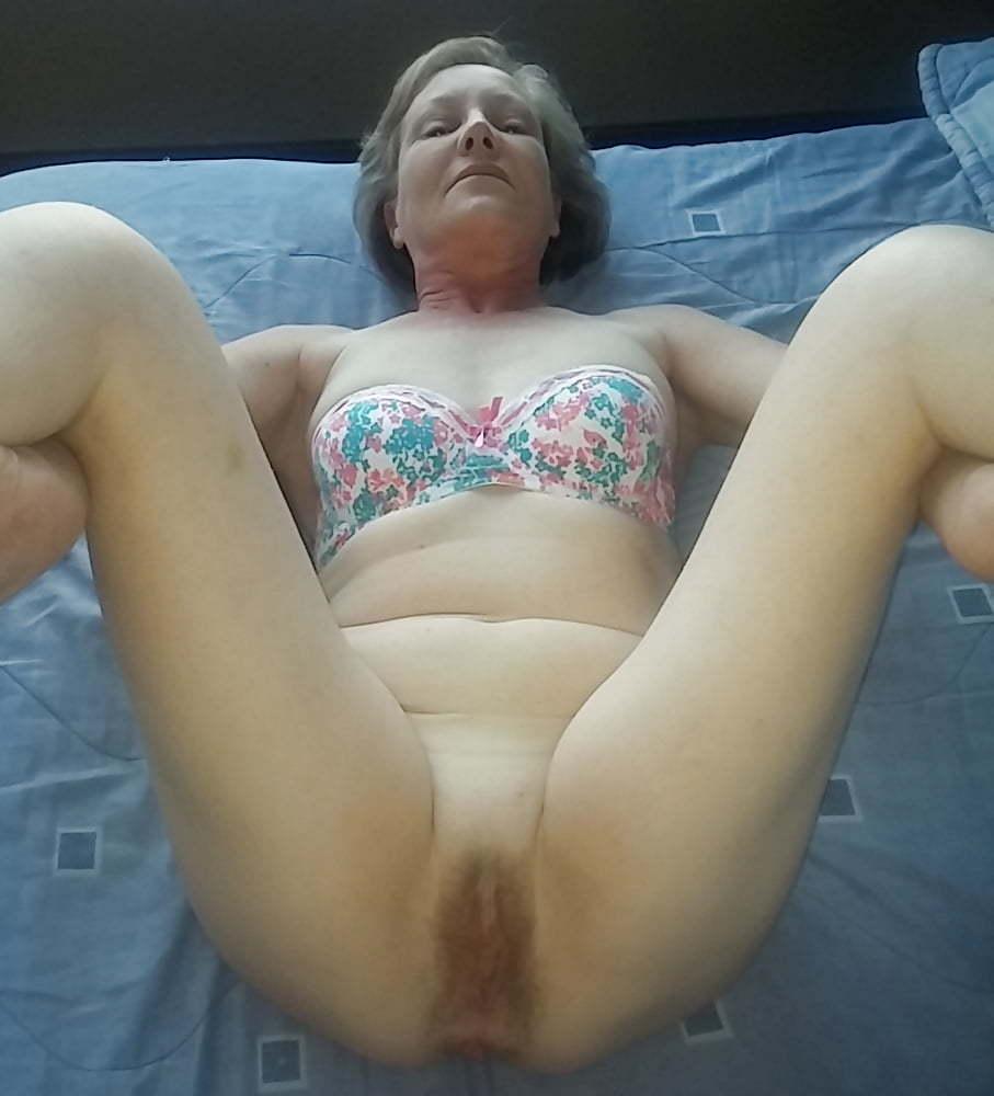 Hot milf ready to fuck (7/7)