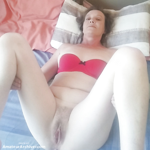 Hot MILF (4/7)